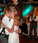 Belden Aşağısi Felç Olan Bir Adamın Düğününde Eşine Verdiği O Hediye