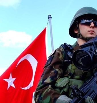Sosyal Medya'da Üniformalı Fotoğraf Paylaşan Askere 2 Yıl Hapis Cezası